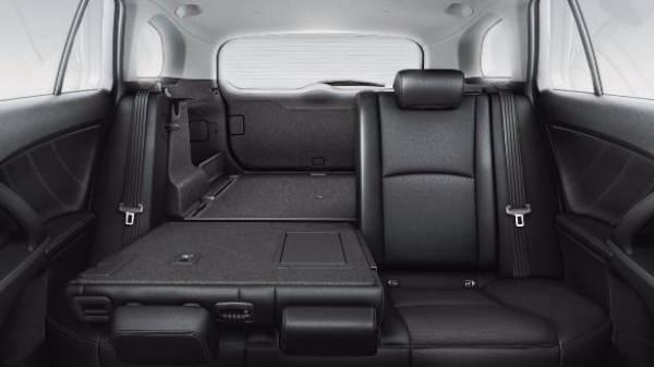 Avensis 6040 folding seats