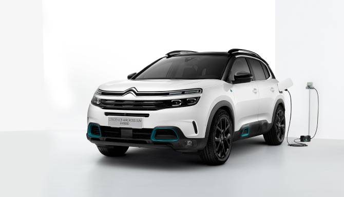 c5-aircross-suv-hybrid-charging-front