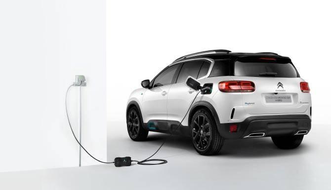 c5-aircross-suv-hybrid-charging