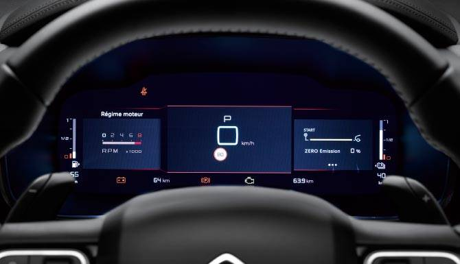 c5-aircross-suv-hybrid-driver-digital-display