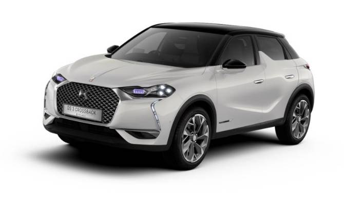 DS 3 E-TENSE CROSSBACK Front Side View White Background