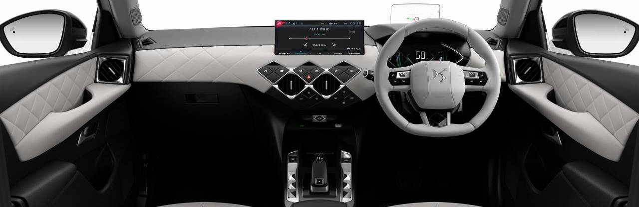DS 3 E-TENSE CROSSBACK White Interior Dashboard Shot