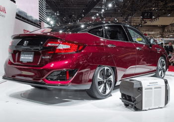 Honda Unveils Hydrogen-Powered Clarity