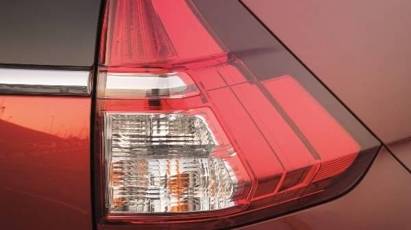 HONDA CR-V - REAR LIGHT CLUSTER