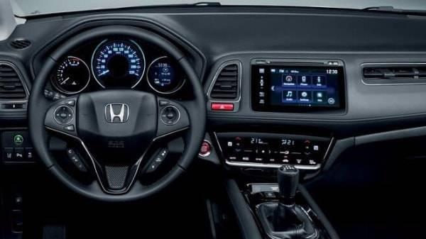 HONDA HR-V - DRIVER FOCUSED DASH DISPLAY