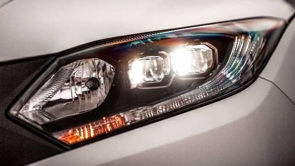 honda HR-V sculpted headlights