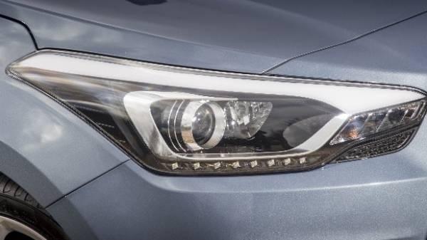 Hyundai i20 coupe headlight