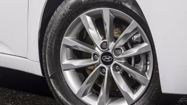 hyundai i40 saloon - alloy wheel