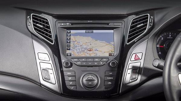 hyundai i40 saloon - digital display