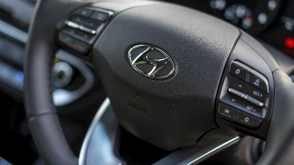 i30 Steering wheel controls