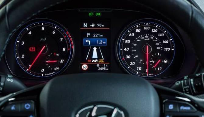 hyundai i30n drivers dash display