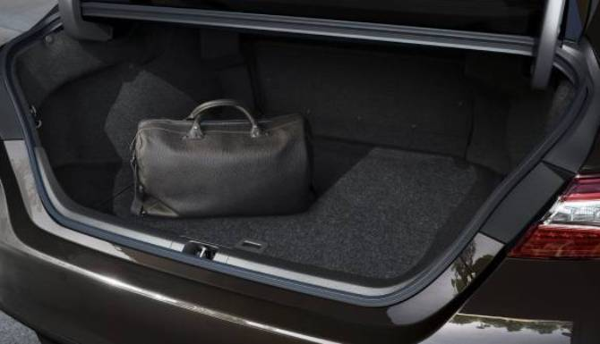 toyota camry boot space