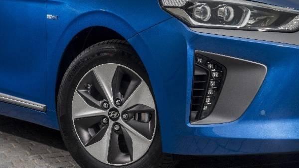 Ioniq headlights and wheels