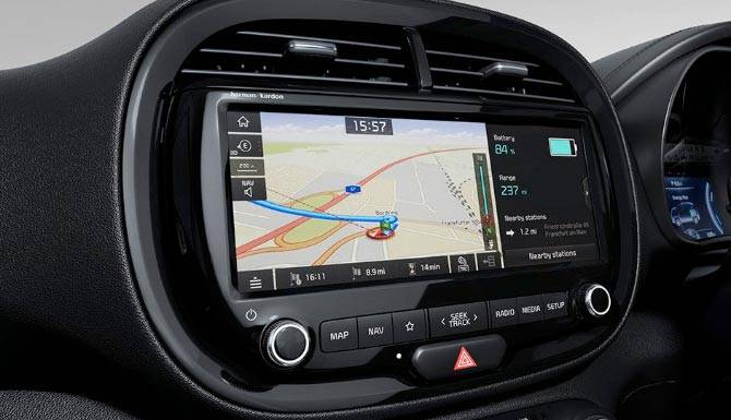 Kia-Soul-EV-interior-10.25-inch-LED-display