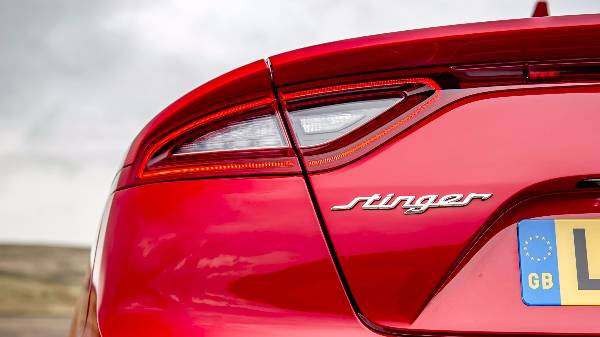 kia-stinger-rear-left-light
