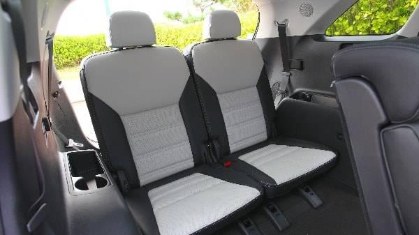 Kia Sorento - Interior rear passenger seats