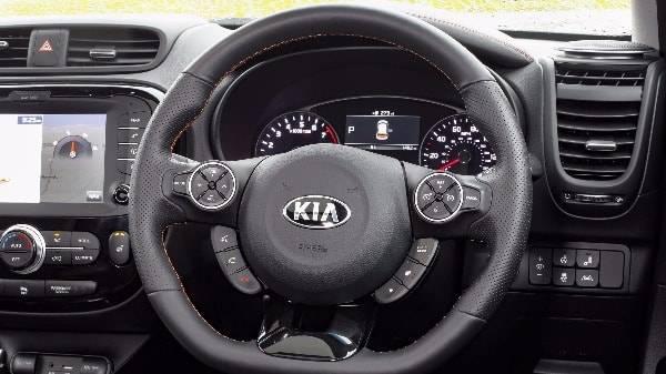 KIA SOUL - DRIVERS VIEW.