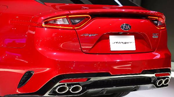 kia stinger rear-end