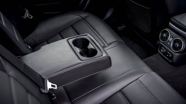 kia stinger rear seat + armrest