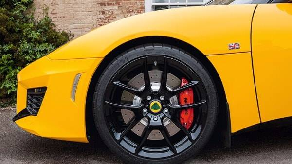 LOTUS EVORA 400 - black alloy wheel