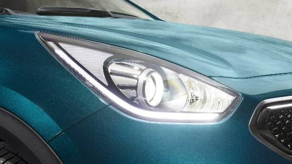 Niro headlight
