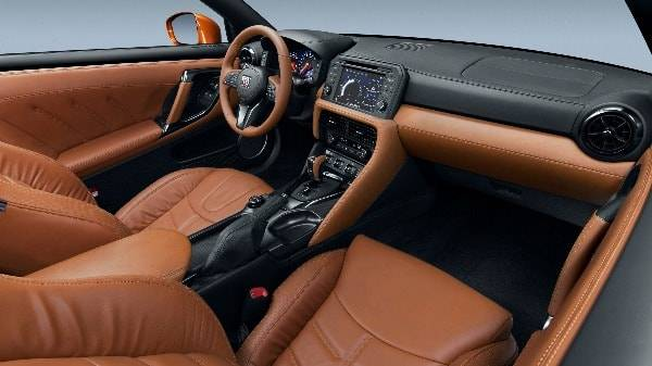 nissan gt-r - my17 interior