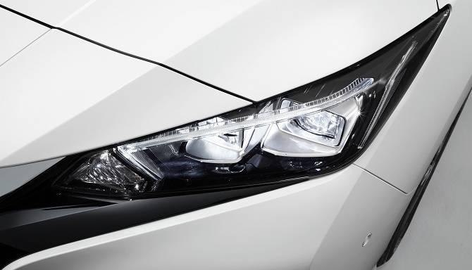 Nissan LEAF 2018 Headlight Design