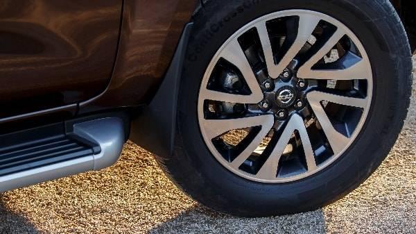 Nissan Navara alloy