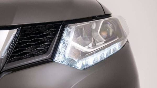 NISSAN X-TRAIL - LED HEADLIGHTS
