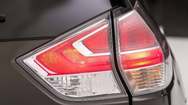 NISSAN X-TRAIL - REAR LIGHT CLUSTER