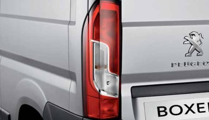 peugeot-boxer-rear-lights