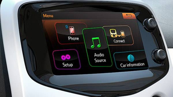 peugeot 108 touch screen dash display