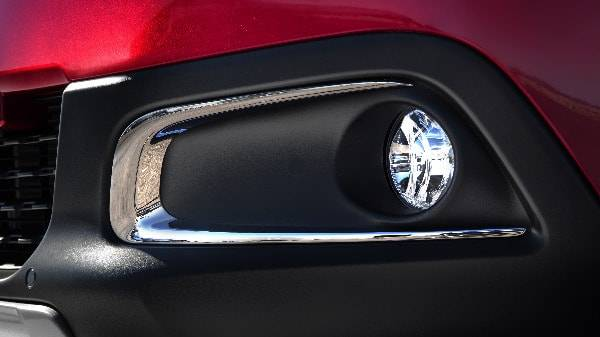 peugeot 2008 fog-lights with chrome surround