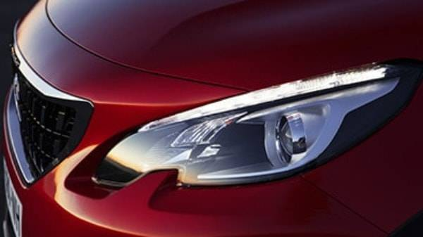 peugeot 2008 suv headlight