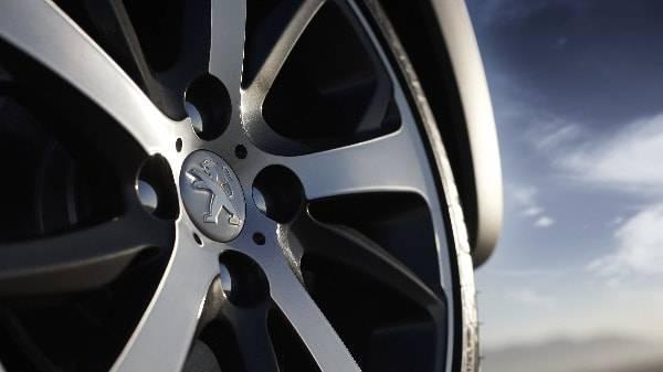 peugeot 208 5 spoke alloy wheels