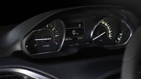 peugeot 208 dash display