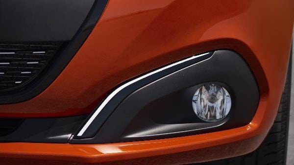 peugeot 208 day time driving lights