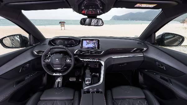 peugeot 5008 suv interior cab view