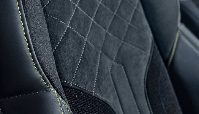 Peugeot 508 PSE sports seats