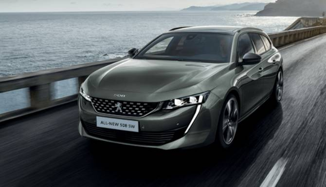 Peugeot 508 SW On The Road