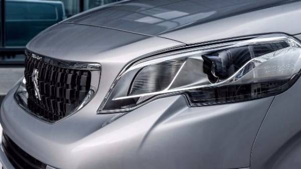 Peugeot Expert headlight