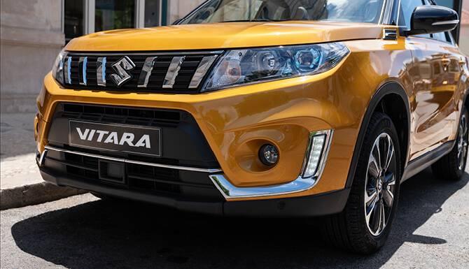Suzuki Vitara Orange Color Front View