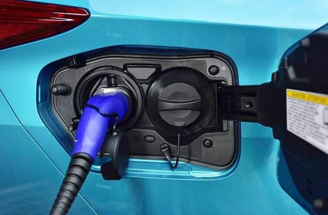 toyota prius plug in charging