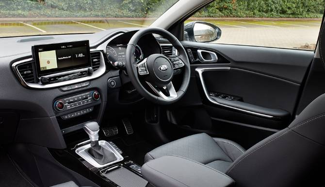XCeed-PHEV-interior-1